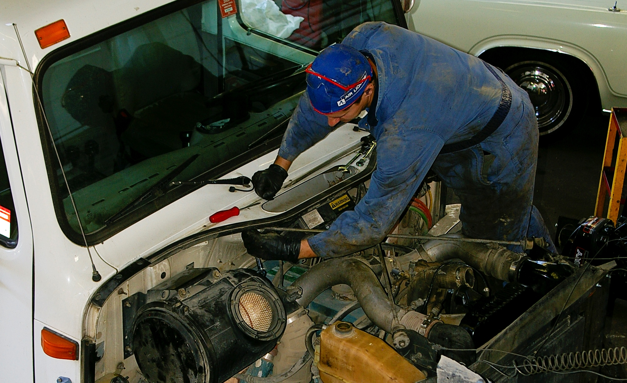 Brake Service The Parkway Crew Inc Auto Repair Mechanic Engine Brakes Our Expert Specialists Will Inspect And Replace Your Braking System With Premium Parts Either Factory Or Equivalent
